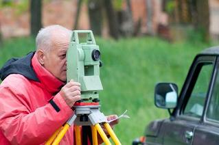 What to Know About Conducting a Land Survey