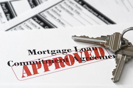 How to Choose Between a Bank and a Mortgage Broker