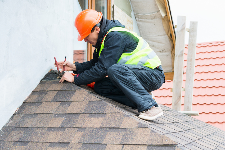 How to Determine if Your Roof Needs to be Repaired or Replaced